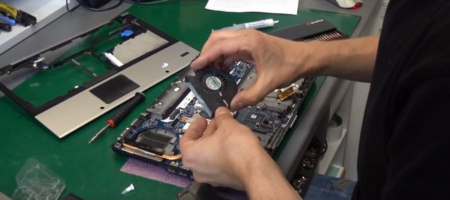 Czy warto oddać laptopa do czyszczenia na profesjonalny serwis?