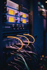 Szafy rackowe, serwery i akcesoria do serwerów - Servecom Częstochowa