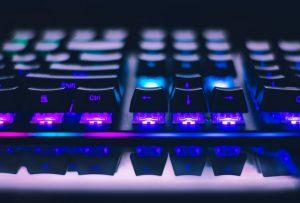 Klawiatury, komputery i akcesoria dla graczy w Servecom Częstochowa